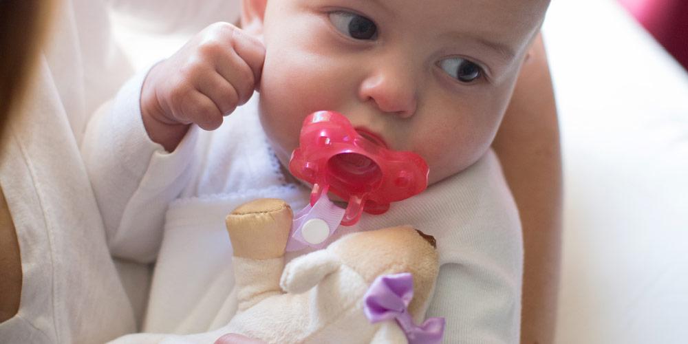 babypacifier_loveys