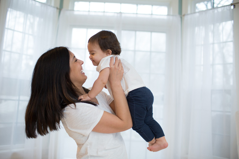 Lifestyle_No_Product_Mom_and_Baby_O16A0827