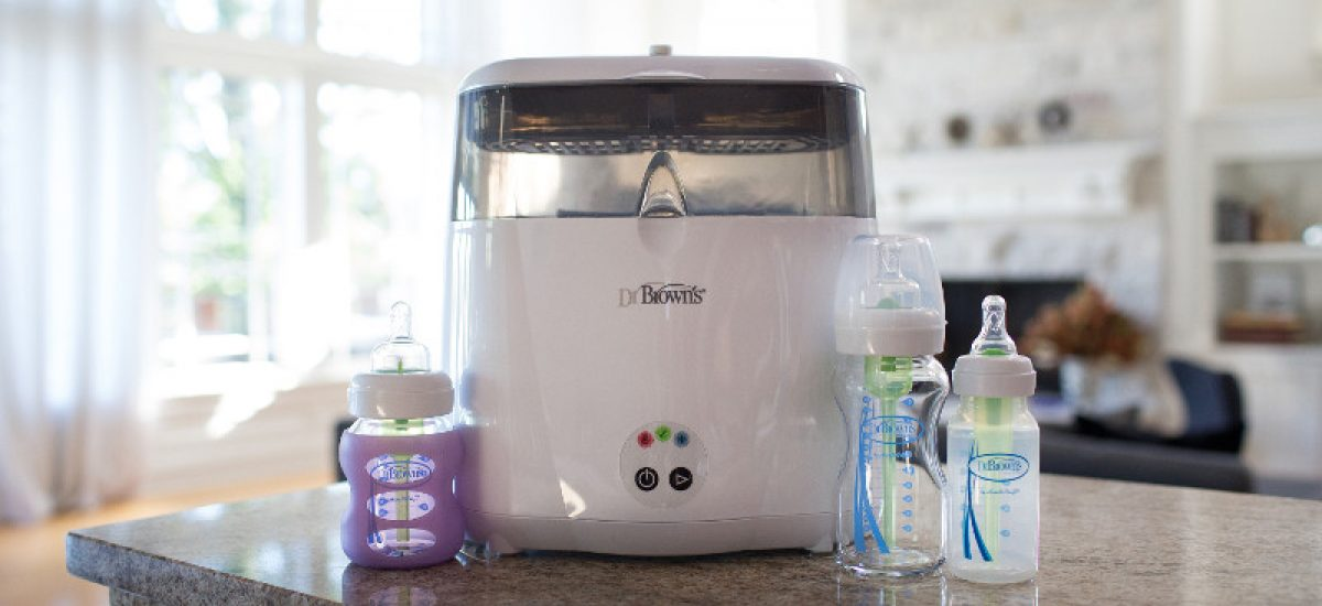 Lifestyle_Electric_Sterilizer_with_Bottles_O16A6468